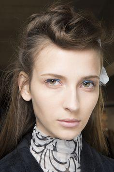 Dries Van Noten Spring 2016 Ready-to-Wear Beauty Photos - Vogue