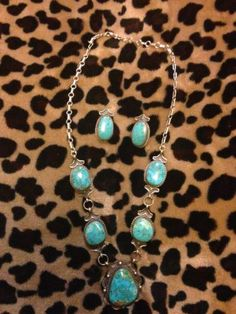 NATIVE AMERICAN NAVAJO STERLING AND TURQUOISE NECKLACE W/MATCHING STUD EARRINGS