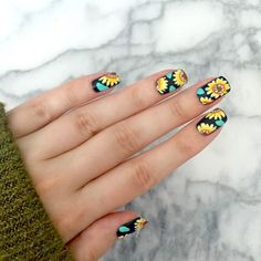 Pin by kaitlyn wax on fashion nails, sunflower nails, sunflo Flower Nail Designs, Nail Art Designs, Nails Design, Design Art, Sunflower Nail Art, Gel Nagel Design, Floral Nail Art, New Nail Art, Nagel Gel