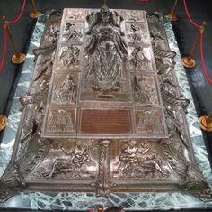 Antonio del Pollaiuolo, Tomba di Sisto IV, 1493. Roma, Basilica San Pietro, Grotte vaticane.