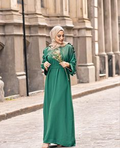 Modest And Classy Long Dresses That Will Make You Look Effortlessly Classy - image:@nourr.hoda - Keep Reading To Get Some Great Inspirational Looks - Modern Street Style - Hijab Fashion Inspiration - Casual Modest Dress - Muslim Girls Inspiration Instagram - Hijabi Outfits Casual - Modest Fashion Muslimah - Modest Dresses - Winter Hijab Fashion - #longsleevedress #chichijab #hijabfashion #hijab #muslimah #hijaboutfit #hijabdress