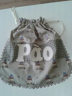 Saco de pão Arts And Crafts, Reusable Tote Bags, Couture, Embroidery, Sewing, Diy, Decoupage, Heart Crafts, Bottle Crafts