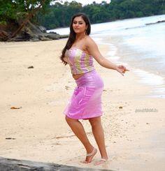 South Actress Namitha Photos Photoshoot and HQ Movie Pictures (11) at Tamil Movie Actress Namitha Photo Gallery  #Namitha