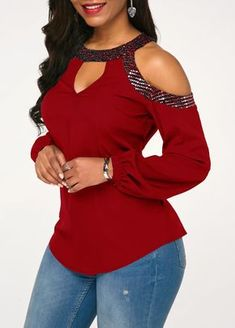Stylish Tops For Girls, Trendy Tops, Trendy Fashion Tops, Trendy Tops For Women Latest African Fashion Dresses, African Print Fashion, Women's Fashion Dresses, Trendy Tops For Women, Blouses For Women, Blouse Styles, Blouse Designs, Red Blouses, Classy Dress