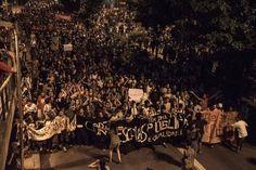 """Secundaristas de SP em protesto pela revogação da reorganização (fonte: Fanpage """"O Mal Educado"""")"""