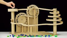 DIY Endless Marble Machine with Twisted Race Track In today's video I show you how to make endless marble race track machine from cardboard. Wooden Marble Run, Marble Toys, Marble Maze, Cardboard Sculpture, Cardboard Crafts, Rolling Ball Sculpture, Marble Tracks, Wooden Gear Clock, Marble Machine
