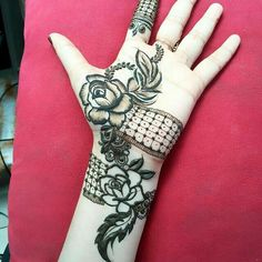 Simple mehndi designs for hands to kick start the ceremonial fun. If elaborate henna designs are a bit too much for you, then check out these henna designs.