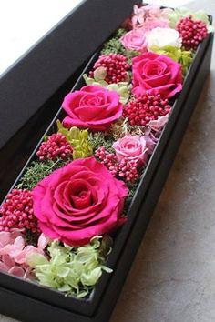 Flower Bouquet Diy, Bouquet Box, Beautiful Flower Arrangements, Floral Arrangements, Beautiful Flowers, Flower Box Gift, Flower Boxes, Deco Floral, Flower Aesthetic