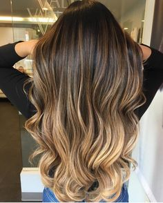 Are you going to balayage hair for the first time and know nothing about this technique? We've gathered everything you need to know about balayage, check! Grey Balayage, Hair Color Balayage, Balayage Hair Honey, Full Balayage, Ombre Highlights, Brown Hair Blonde Highlights, Brown Hair With Highlights And Lowlights, Chunky Highlights, Brown Blonde Hair
