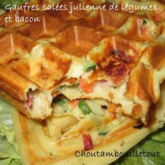 Savory waffles with vegetables and bacon Choutambouilletout Oatmeal Waffles, Cinnamon Oatmeal, Waffle Recipes, My Recipes, Savory Waffles, Yogurt Pancakes, Bacon, Dessert, Smoothie Recipes