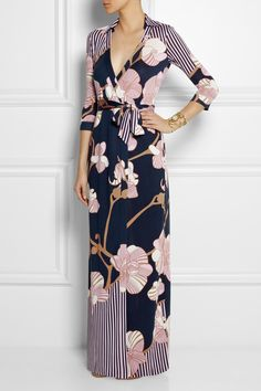 Diane von Furstenberg Floral Maxi dress with Navy and Blush. Maxi Wrap Dress, Dress Up, Wrap Dresses, Dress Casual, Maxi Dresses, Dress Long, Vestido Maxi Floral, Look Fashion, Womens Fashion