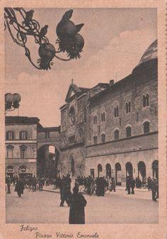 Cartolina non  viaggiata Foligno Pazza Vittorio Emanuele animata  C234