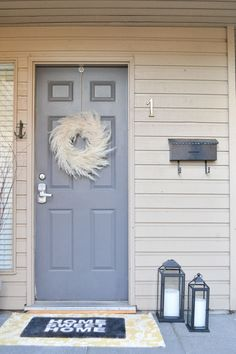 DIY Pampas Grass Wreath  On a budget? This DIY is affordable and easy!