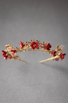 Inspired by a love for wild flowers, the HARVEST gold wedding crown is reminisce. - Inspired by a love for wild flowers, the HARVEST gold wedding crown is reminiscent of freshly picke - Bridal Tiara, Headpiece Wedding, Bridal Headpieces, Wedding Veils, Wedding Tiaras, Dress Wedding, Bridal Crown, Wedding Bridesmaids, Wedding Shoes