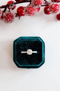 This classic four prong round diamond engagement ring features graduating pave accent diamonds #diamond #diamonds #rounddiamond #engagementring #4prong #diamondsdirect