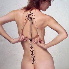 """photo française : Nicole Tran Ba Vang, """"collection printemps été"""", 2001, femmes artistes, peau, corset, nu"""