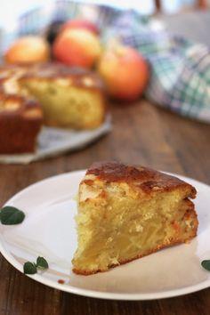 torta di mele supersoffice con panna - creando si impara Cake Recipes, Dessert Recipes, Torte Cake, English Food, Italian Desserts, Afternoon Snacks, Food And Drink, Sweets, Breakfast