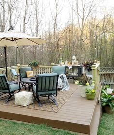 How to Build a DIY Floating Deck in a Sloped Backyard This DIY floating deck rescued a neglected bac Sloped Backyard Landscaping, Sloped Yard, Backyard Patio, Sloping Backyard, Backyard Designs, Landscaping Ideas, Gravel Patio, Building A Floating Deck, Building A Deck