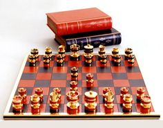 Geoffrey Parker's unveils one of the most expensive chess sets at $77,880
