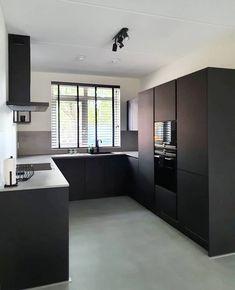 Small Modern Kitchens, Modern Kitchen Design, Interior Design Kitchen, Modern Interior Design, Happy New Home, Kitchen Rules, Cabin Kitchens, Cuisines Design, Kitchen Remodel