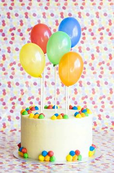 Carrot cake decorated with balloons Balloon Birthday Cakes, Balloon Cake, Novelty Birthday Cakes, Colorful Birthday Cake, Balloon Party, Cute Cakes, Pretty Cakes, Yummy Cakes, Cakes For Boys
