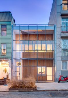 An architect's dream home coexists with industrial surroundings - Carroll Gardens, Brooklyn