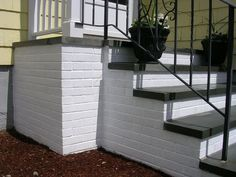 You can painting concrete porch to beautify them and use them in suitable places to spend the evening with the family. Some people prefer not to paint the porches. Painted Concrete Steps, Concrete Front Steps, Cement Steps, Brick Steps, Concrete Stairs, Painted Steps, How To Paint Concrete, Exterior Concrete Paint, Repairing Concrete Steps