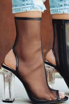 """""""Risk Taker"""" // Heels by @lolashoetique"""