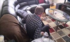 Filho assusta o pai e filma a reação dele >> http://www.tediado.com.br/05/filho-assusta-o-pai-e-filma-reacao-dele/