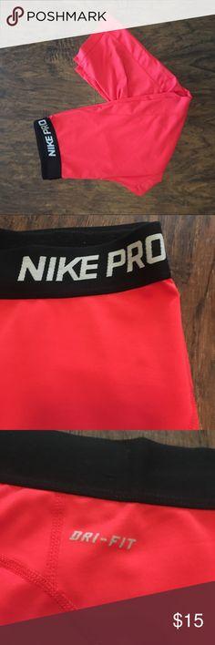 Red Nike Pro Leggings Capri leggings Fit normal Only worn once or twice dri-fit Nike Pants Leggings