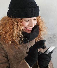 I-Touch Thermo handschoenen zwart  Speciaal ontwikkeld voor het langer warm houden van de handen. De handschoenen bevatten garens met een hoge dichtheid waardoor er een warmte barrière ontstaat die de warme lucht dicht bij de huid houdt. Zo zorg je er voor dat je handen langer warm blijven en door de speciale vingertoppen probleemloos je touchscreen telefoon kunt blijven bedienen.  EUR 6.95  Meer informatie