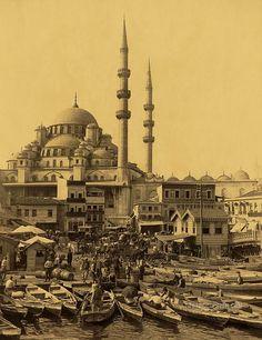 Boatmen in Eminonu, near Galata Bridge, the New Mosque, Yeni Cami, Istanbul, Turkey, Constantinople, Ottoman,