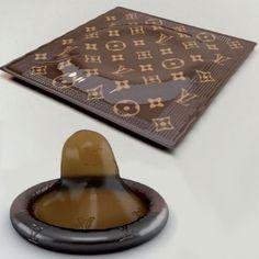 Lujo en la cama. Los condones de Louis Vuitton