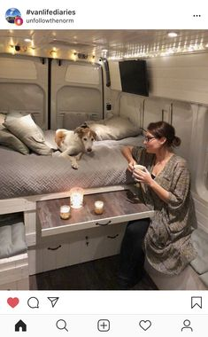 Smart Camper Van Conversion Inspirations For You 31 Motorhome, Kombi Home, Caravan Home, Camper Van Life, Campervan Interior, Airstream Interior, Bus Life, Van Living, Living Area