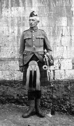 Vintage kilt photograph online at The House of Labhran Scotland