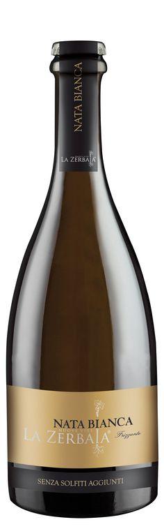 Italian White Wine, Wine Bottle Design, Wine Bottles, Wines, Champagne, Bar, Wine Bottle Glasses