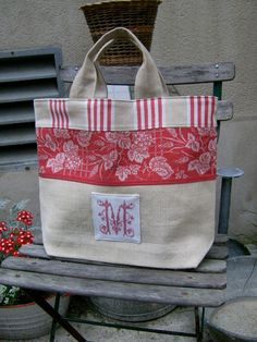 I own this bag, it is one of my favourite bags that I have bougt from Stephanie. Steekjes & Kruisjes van Marijke