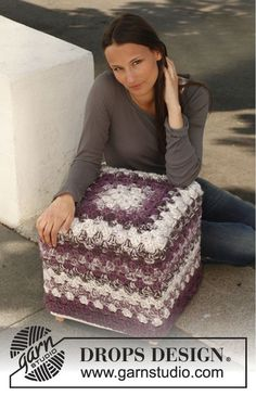 Ravelry: Granny Pouf - Cover for pouf in Andes pattern by DROPS design Pouf En Crochet, Crochet Cushions, Love Crochet, Crochet Granny, Crochet Stitches, Granny Square, Square Pouf, Knitting Patterns Free, Free Pattern
