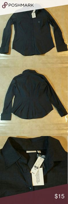 NEW YORK AND COMPANY BLUE BUTTON SHIRT LARGE New with tags. Never worn. In excellent condition. Bundle with my other items for a discount 15% off 2 or more items❤ If you have any questions just ask me! New York & Company Tops Button Down Shirts