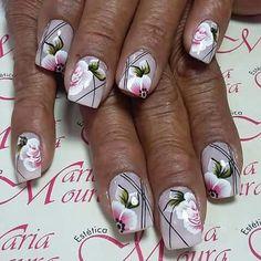 Unha diferente de Vanice Moura. Different nail by Vanice Moura.  Uña diferente por Vanice Moura. Unghie different di Vanice Moura.