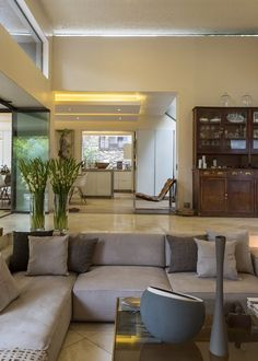 Nico van der Meulen, founder of Nico van der Meulen Architects, designed this residence in a leafy Johannesburg suburb for his family, but also to use as his studio. At that time he just started his own practice and decided to work from his home,...