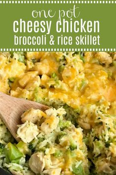 One pot cheesy chicken broccoli rice is a quick & easy skillet dinner that is also gluten-free! Only a few simple ingredients and you have a delicious, cheesy, family-friendly skillet dinner. Easy Chicken And Rice, Cheesy Chicken, Easy Healthy Dinners, Easy Healthy Recipes, Easy Dinners, Simple Recipes, Paleo Recipes, Easy Skillet Dinner, Chicken Broccoli Rice Casserole