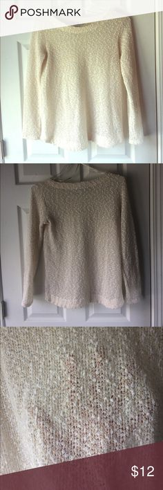 Cream and gold sweater Cream sweater with gold threading strewn throughout. Slightly see-through so you'll have to wear a camisole or undershirt with it. Excellent condition Forever 21 Sweaters Crew & Scoop Necks