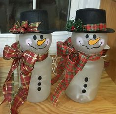 Looking for easy Christmas Classroom Treats? Well, here is a round up of healthy and easy Christmas Classroom Treats that can be made in no time. Christmas Classroom Treats, Snowman Christmas Decorations, Diy Christmas Presents, Snowman Crafts, Christmas Snowman, Simple Christmas, Christmas Projects, Holiday Crafts, Christmas Crafts