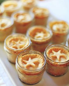 Mini star topped apple pies baked in mini mason jars at a Vote for the Little Man Party Mason Jar Meals, Meals In A Jar, Mason Jars, Yummy Treats, Sweet Treats, Yummy Food, Just Desserts, Dessert Recipes, Great Recipes