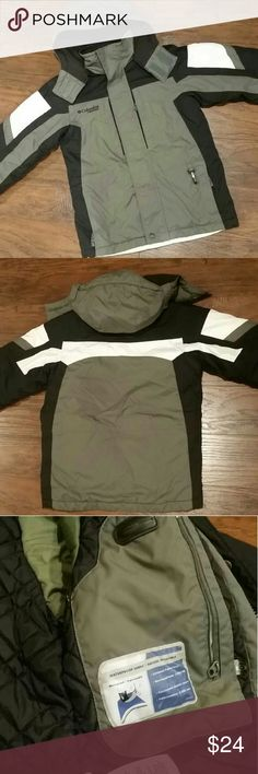 Boy's Columbia winter coat size 8 Boy's Columbia vertex winter coat size 8. In great condition!! Waterproof fabric, 5 pockets, very warm for winter days, with removable hood, music player pocket. Great condition! :) Columbia Jackets & Coats Puffers