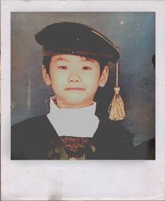 ❝trou·ble❞ (v.)cause distress or anxiety to. ✧・゚: *✧・゚:*    *:・゚… # Fiksi Penggemar # amreading # books # wattpad Chinese Zodiac Signs, Starship Entertainment, Kpop Boy, Pretty Boys, Mini, Captain Hat, Korea, Childhood, Hats