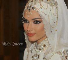 Beauty Bridal Hijab, Wedding Hijab, Bridal Hair, Beautiful Muslim Women, Beautiful Hijab, Muslim Wedding Dresses, Bridal Dresses, Collection Eid, Muslimah Wedding