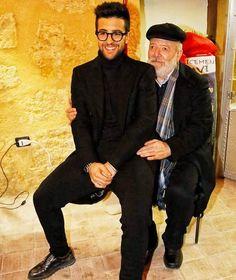 """Repost ilvolo.romania #dolcissimoPie con #nonoPietro ❤❤#bellissimafoto #bellafamiglia #graziemille #giovannigranaro #fb """"Ancora altre bellissime foto di Delfina Gasparini che raccontano l'evento del 23 dicembre 2016, giorno dell'inaugurazione della houseteca Piero Barone al Castello Chiaramente di Naro. """"Quando l'arte incontra l'arte e la più alta espressione di Barocco si inchina a tendere la mano ad un grande artista. L'amore di un paese per le sue origini e per ciò che di prezioso ha."""""""
