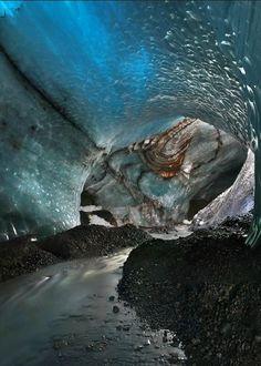 River under Vatnajökull Glacier, Iceland   (by Moro (Source:35photo.ru)